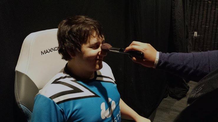 Make-up players at ESL